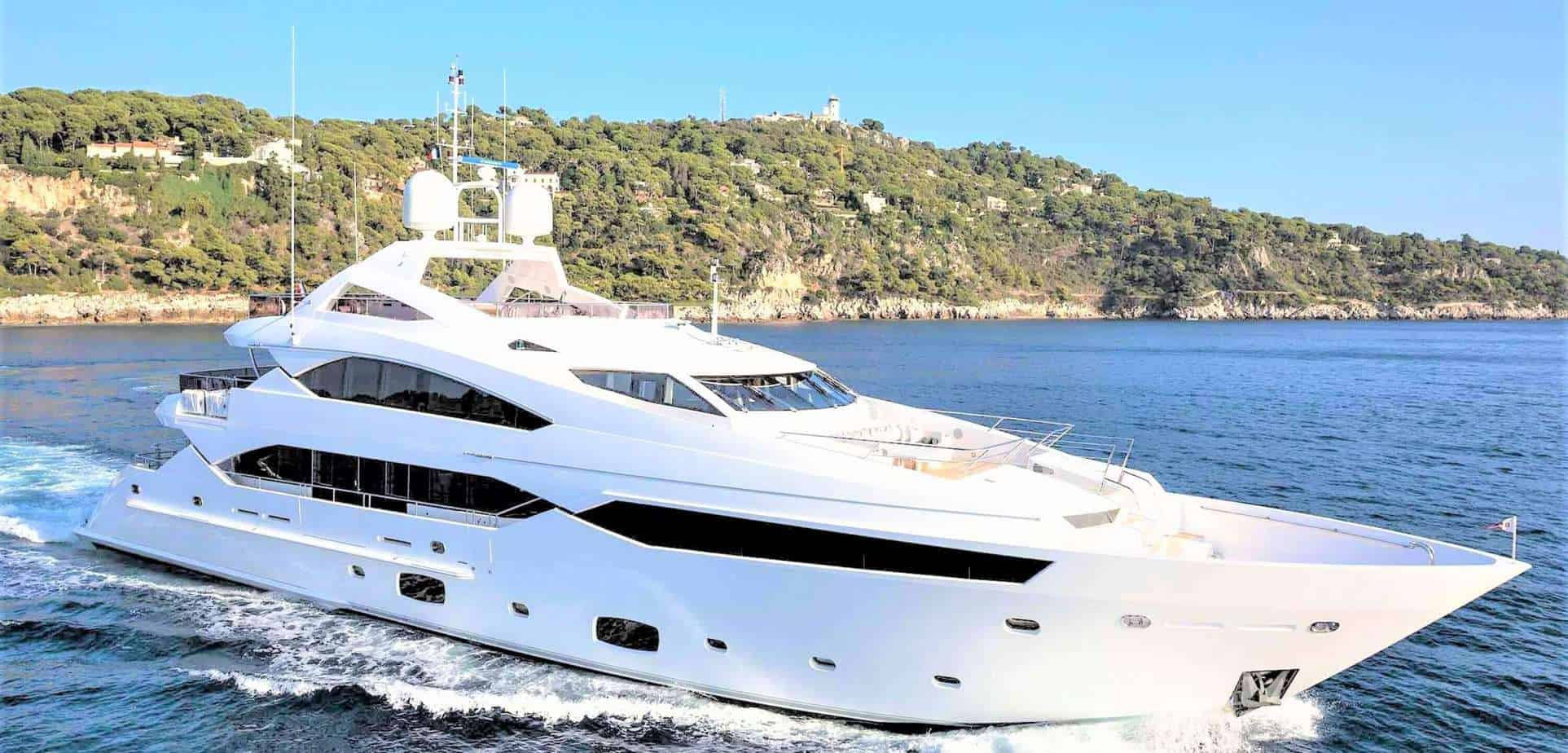 Brokerage Yacht 3