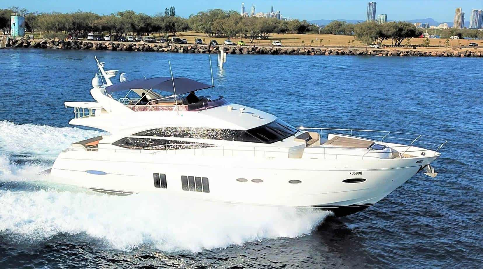 Brokerage Yacht 6