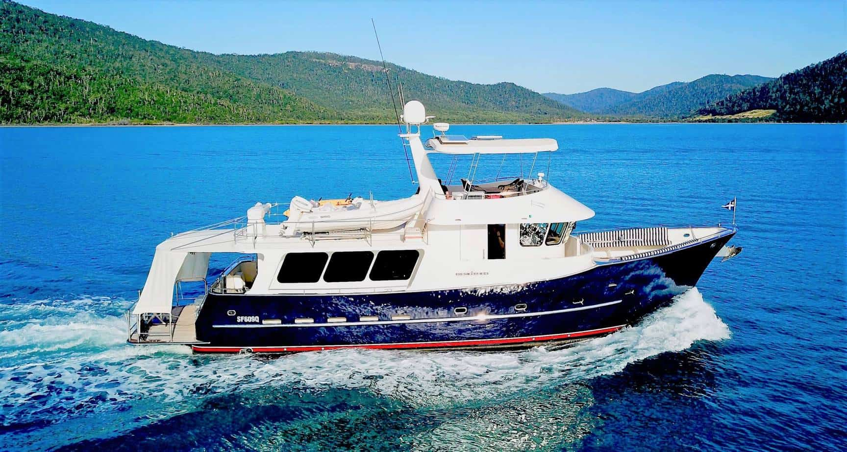 Brokerage Yacht 7